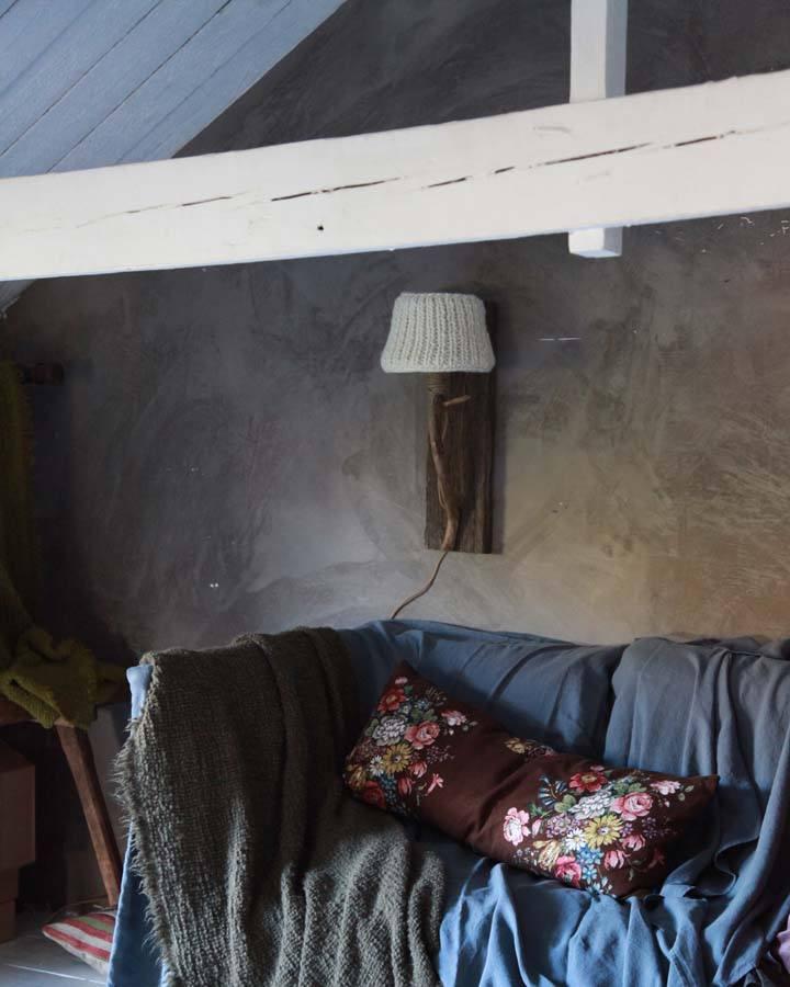 houten wandlamp landelijk interieur