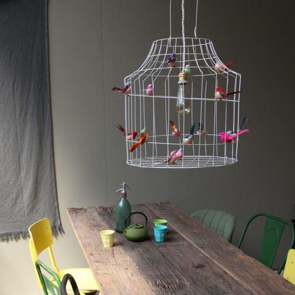 hanglamp vogeltjes boven tafel