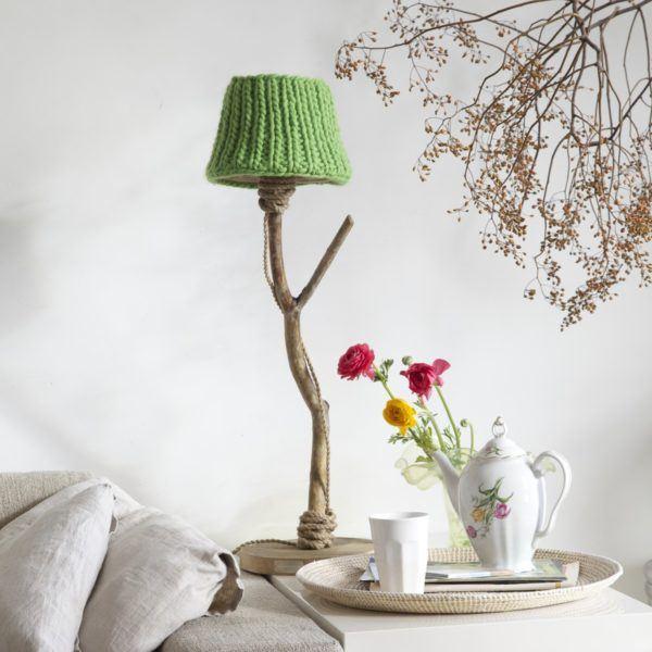 houten tafellamp appelgroene lampenkap